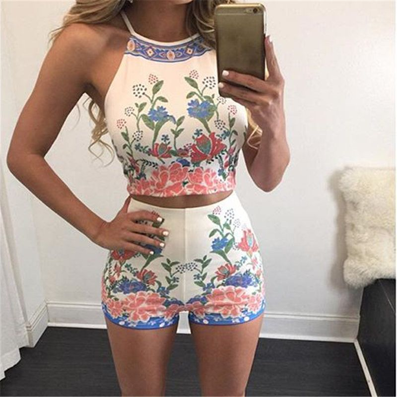 Women Clothing 2016 Fashion Summer Women Two Piece Outfits Vest And Print Shorts 2 Piece Set Women Sexy Girls Clothes