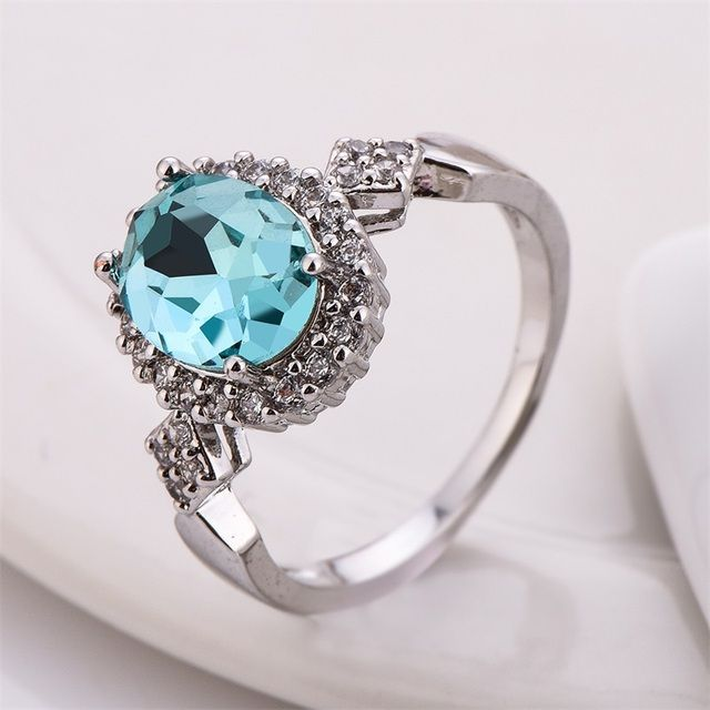 2017 New Fashion Wedding Rings Zircon Crystal Silver Plated Engagement Ring Austrian Crystal Women Rings Jewelry Anel Feminino