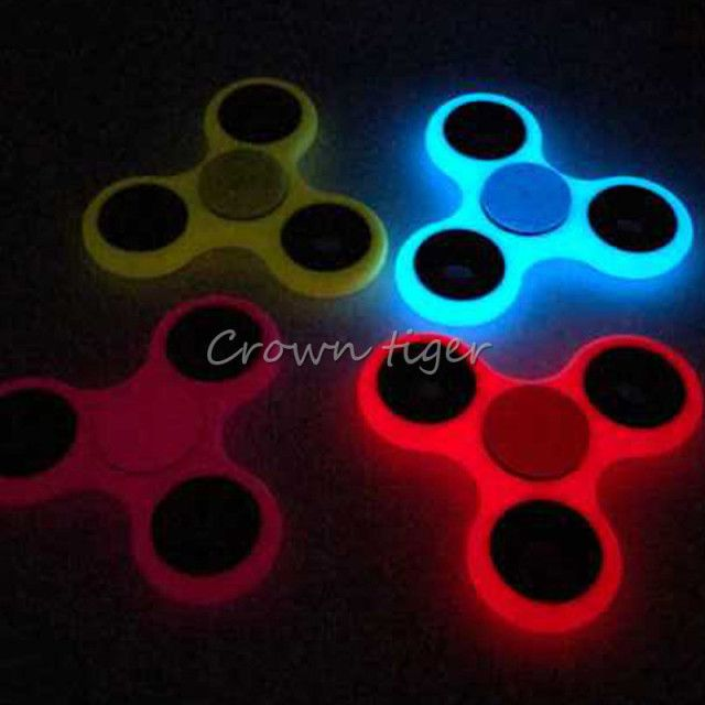 Tri-Spinner Glow in Dark Fidget Spinner Luminous EDC Hand Spinner ABS Plastic Puzzles For ADHD Austim Anti stress finger Toys