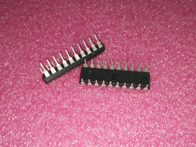 Free Shipping 50pcs/lots ADC0804LCN ADC0804 DIP-20 100% New original  IC In stock!