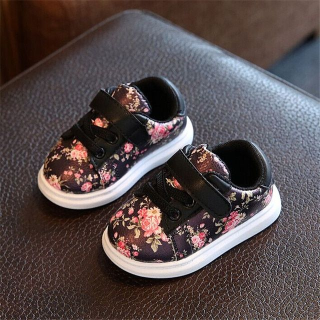 Cute Baby Shoes For Girls Soft Moccasins Shoe 2017 Autumn Pink Flower Baby Girl Sneakers Toddler Girl Newborn Shoes