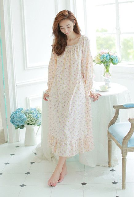 2016High-quality women long tracksuit 100%  cotton royal princess nightgown Vintage girl sleepwear