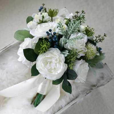 White Green Bridal Wdding Bouquet Handing Flowers Wedding Flowers Bridal Bouquets High Quality 2016 New Arrival Bridal Flowers