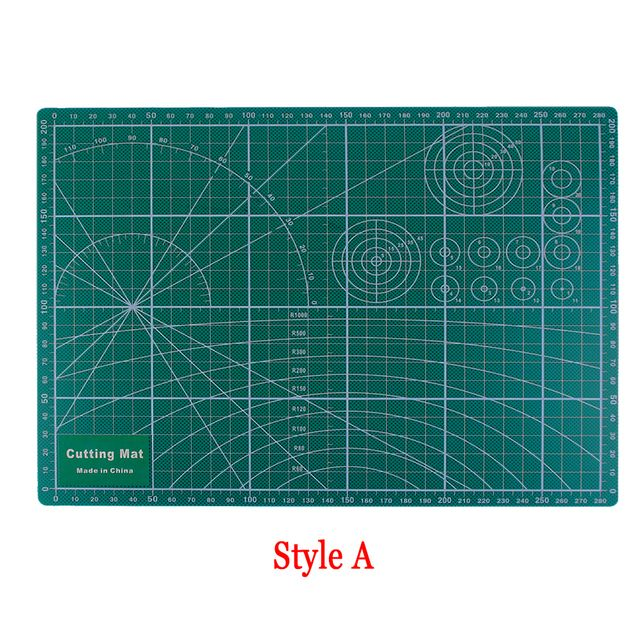 Sent At Random PVC Cutting Mat A4 Durable Cut Pad Patchwork Tools Handmade Diy Accessory Cutting Plate Dark Green 30*22cm