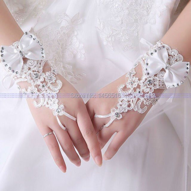 2017 Real Photo In stock bridal gloves Fingerless Applique Bow wedding accessories Short Lace wrist wedding gloves