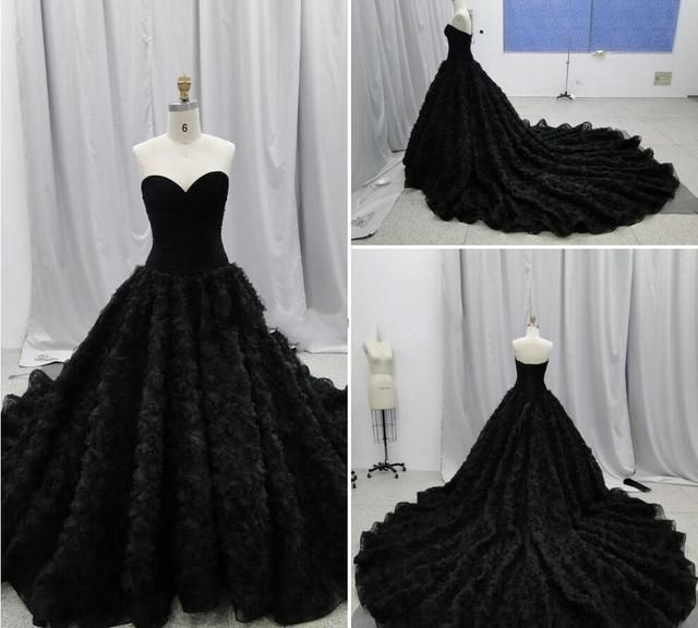 2017 Chich Gothic Wedding Dresses Ball Gowns Sweetheart Handmade Flowers Corset Chapel Wedding Dresses Vintage Black