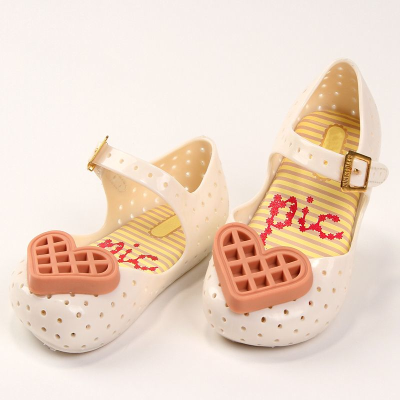 Memon  GIRLS Sandals Heart  cookies Rain Shoes KIDS Summer Jelly Toddler Kids Zapatos Sapatos Soft Leather Children's shoes
