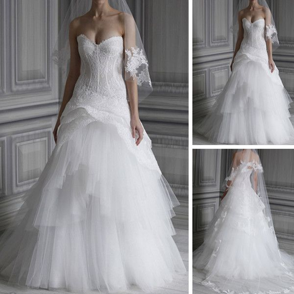 Sweetheart Neckline See Through Lace Overlay Upper Bodice White Tulle Tiered Strapless Vera Wedding Dress