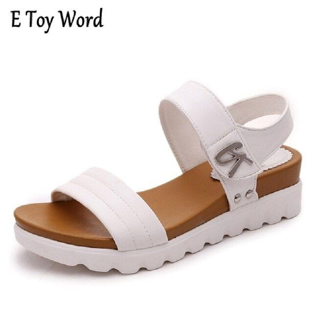 Thick soled sandals female summer 2017 new students a slip with flat sandals all-match muffin leisure Korean tide women sandals
