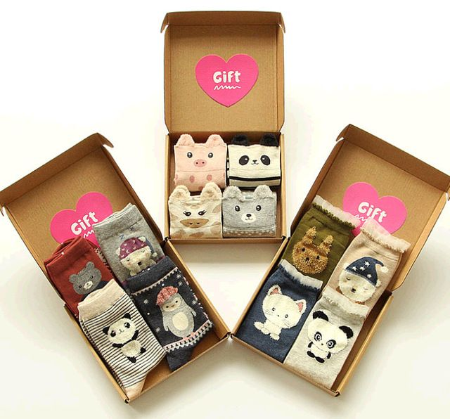ZDL051  New Japanese Cotton Socks 4 Pieces Boxed Cartoon Gift Socks Women Socks Wholesale