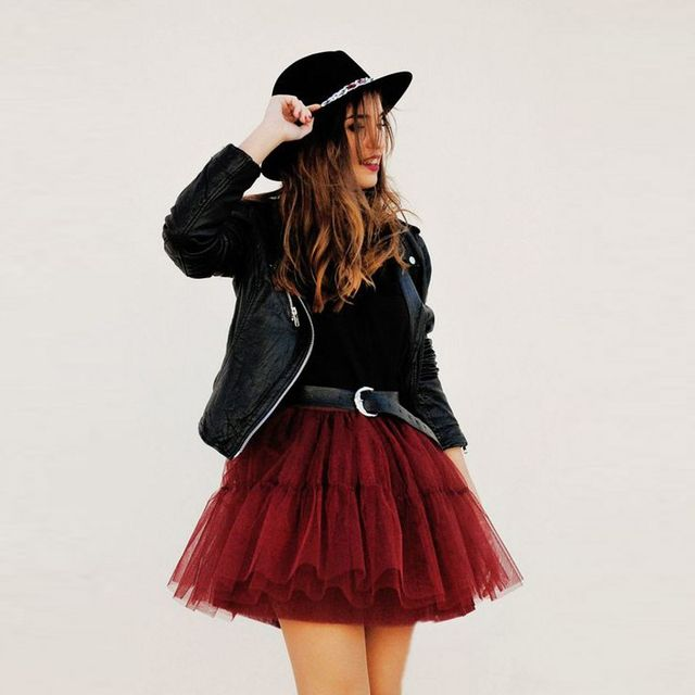 Punk Style Short Mini Tutu Skirt A Line Above Knee Puffy Tulle Skirt With Lining High Fashion Burgundy Skirts Women 2016