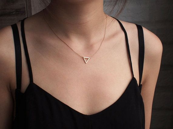 Simple Chains Triangle Charm Necklace Delicate Minimal Triangle Necklace For Women Geometric Pendant Necklace Fashion