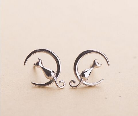 silver plated cute cat moon stud earring lovely animal cat on the moon earring for girl child best gift ear jewelry