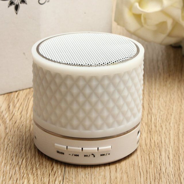 LED Flashing Light Mini Bluetooth Wireless Speaker Super Bass Stereo Sound Loundspeaker Noise Reduction For All Mobile Phones