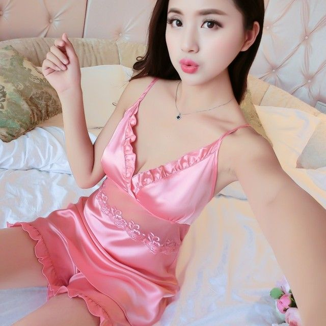 2017 New Summer Shorts Set Silk Pajamas Female Embroidery Cute Sleepwear Two Piece Set Girls Home Clothes Sexy Lingerie Pijama