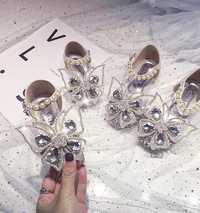 Sandales à la mode pour filles
