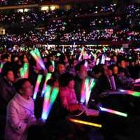 100 pièces allumer des bâtons de mousse lueur partie LED Flashings Concert Vocal réutilisable chaud