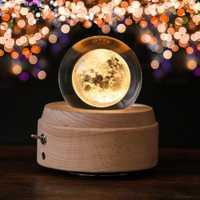 Caja de música luminosa de madera de bola de cristal de Luna caja de música rotativa Regalo de Cumpleaños innovador manivela de mano caja de música mecanismo de regalo