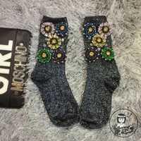 Pug Japón Real Calcetines Mujer Calcetines calientes de las mujeres de la venta de gama alta personalizada marea marca Flor del diamante con cuentas lentejuelas en pilas de tubo