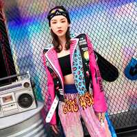 Tendencia-Setter 2018 otoño moda Punk estilo chaqueta de cuero Rosa mujeres Slim remache motocicleta chaqueta Graffiti patrón