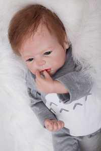 22 pulgadas muñeca de bebé de silicona reborn paño para bebés Cuerpo real recién nacido bebé mirando niños Regalo de Cumpleaños brinquedo Niño