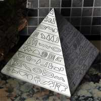 Alta calidad Cenicero el Antiguo Egipto pirámide aleación de Zinc Cenicero decoración del escritorio de oficina en casa