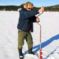 Rusia Finlandia Noruega invierno hielo Pesca esencial Herramientas mano perforación espiral hielo Pesca cuatro especificaciones tres colores