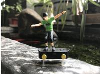 Diversión mini juguetes eléctricos con mini dedo skate juguetes modelo para los niños regalo del niño