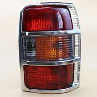 Luz trasera de cromo derecho de diseño de coche LARBLL con bombillas montaje de lámpara trasera MB831489 para Mitsubishi Pajero/Montero 1991- 1999
