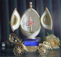 Cáscara de huevo caja de música pareja bailarina Cajas de música Carro de lujo huevo matrimonio Día de San Valentín Navidad regalo