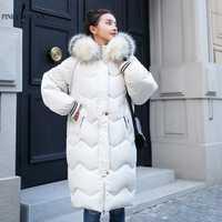 PinkyIsblack 2018 nuevo invierno chaquetas mujeres abrigos grandes Cuello de piel con capucha abajo Chaqueta larga caliente Parkas mujeres espesar chaqueta del algodón