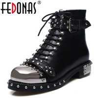 FEDONAS Punk botas de cuero genuino de las mujeres remaches tacones cuadrados Otoño Invierno botas de tobillo Sexy zapatos de mujer zapatos de botas de nieve