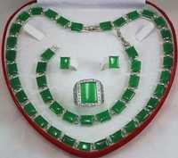 Nouveau Bracelet/boucles d'oreilles/bague/collier en jade vert bijoux artisanaux AAA