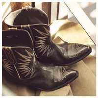 Botas de vaquero de cuero genuino de color Beige y negro para mujer botas de tacón medio de otoño invierno 2019