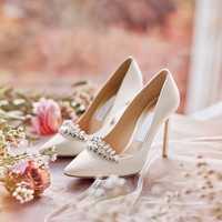 Las mujeres de la boda fina tacones altos bombas 2018 señora cristal en Punta solos zapatos med talón 7,5 cm para novia zapatos tamaño 33-41
