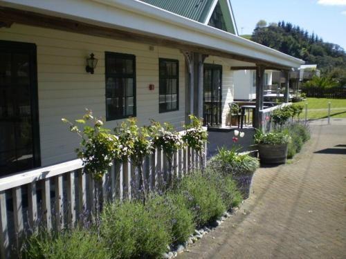 Beach Motel And Cabins in Whitianga - Waikato - NZ