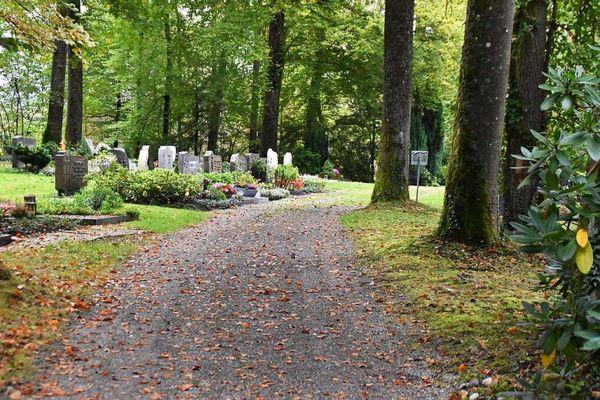 Der Waldfriedhof in Karsau bietet viele Möglichkeiten zur...