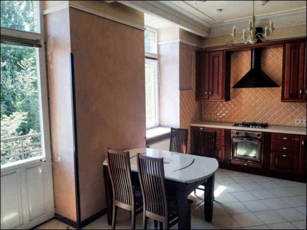 сдам 3-комнатную квартиру Киев, ул.Андреевский спуск 1а - Фото 1