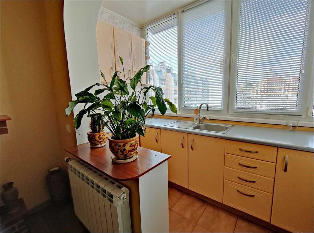 продам 3-комнатную квартиру Вишневое, ул.Святоюрьевская - Фото 3