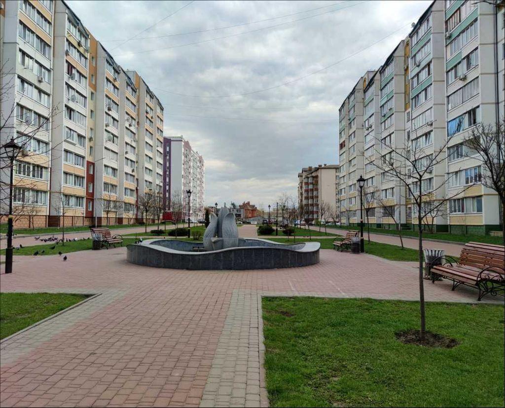 продам 3-комнатную квартиру Вишневое, ул.Святоюрьевская - Фото 1