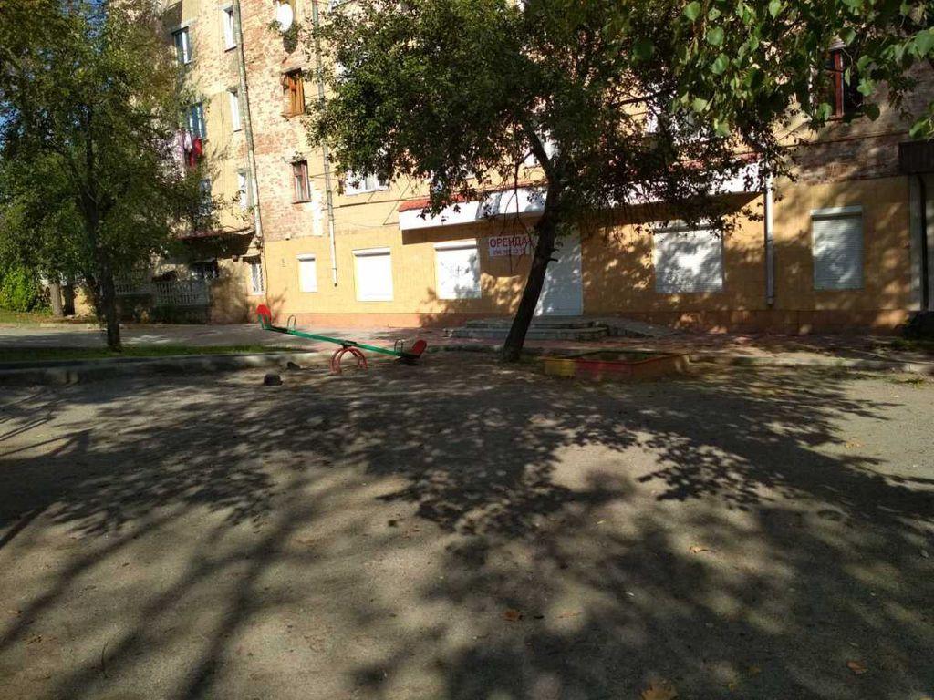 сдам торговую площадь Могилев-Подольский, ул.Чорновола 3 - Фото 1