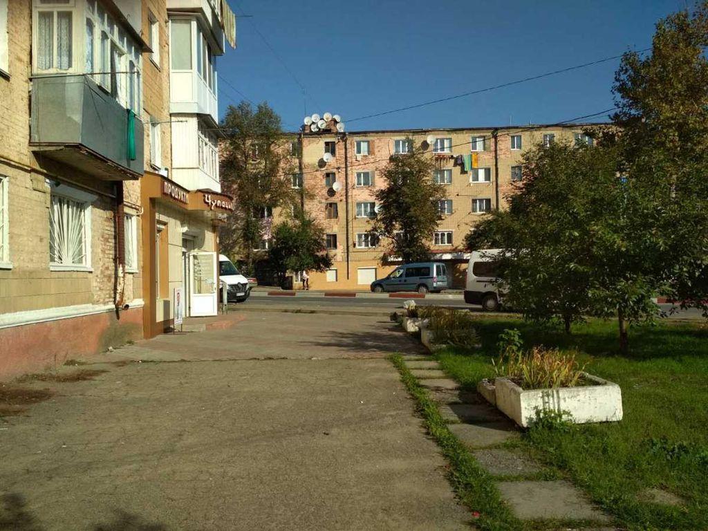 сдам торговую площадь Могилев-Подольский, ул.Чорновола 3 - Фото 3