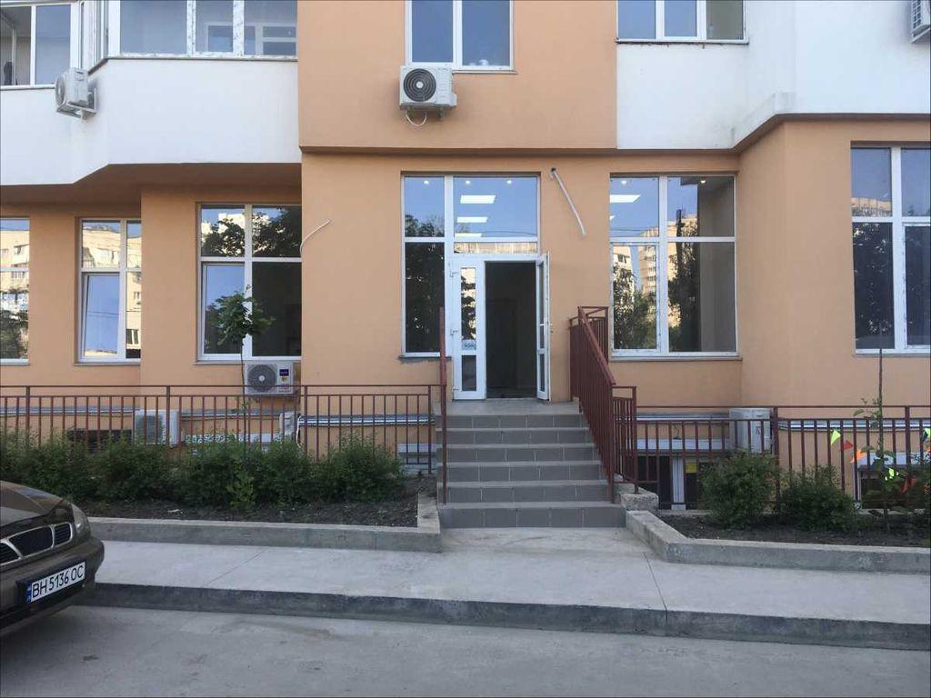 сдам торговую площадь Одесса, ул.Гранитная 1 - Фото 1