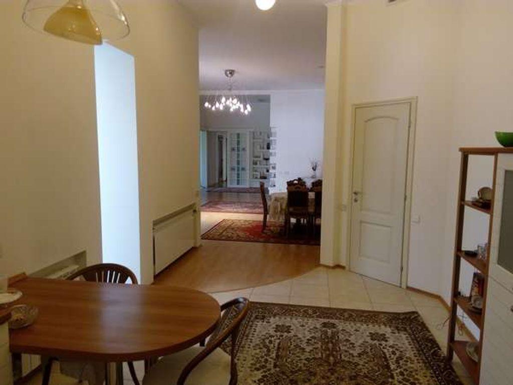продам 5-комнатную квартиру Киев, ул.Олеся Гончара ул. 60 - Фото 1