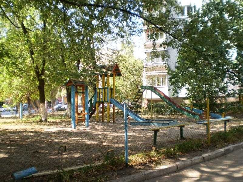 Сдам долгосрочно 1-к квартиру Киев, Соломенский 4