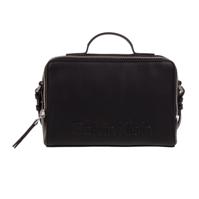 CALVIN KLEIN JEANS - Γυναικεία τσάντα χειρός Calvin Klein Jeans EDGE DUFFLE μαύρη