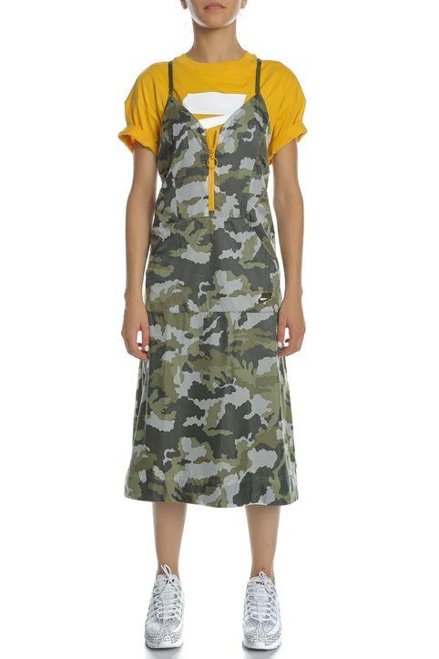 NIKE - Γυναικείο μίντι φόρεμα NIKE NSW DRESS WVN με μοτίβο παραλλαγής