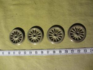 カツミ 27mm絶縁車輪(電機用)4枚・・・ネジ止め車輪  未使用品 古いOゲージ・・・1950