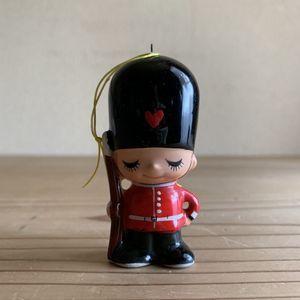 《真》昭和レトロ 当時物 内藤ルネ チャーム 兵隊さん イギリス兵 陶器