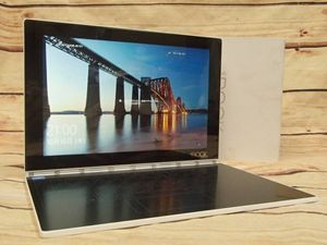 ○Lenovo YOGA BOOK with Windows ZA150270JP 2 in 1タブレット○Atom x5-Z8550/4GB/128G